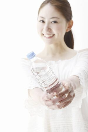 rehydration: Ladies with bottle