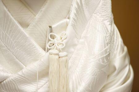 真っ白いドレス