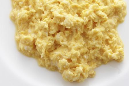 scrambled eggs: Huevos revueltos Foto de archivo