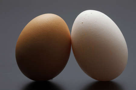 upright: two eggs upright