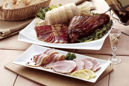 boneless: Boneless ham and grilled bacon Ice Vine