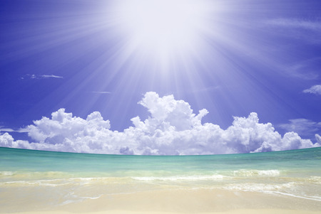 north shore: The Sun and the North Shore sea Stock Photo