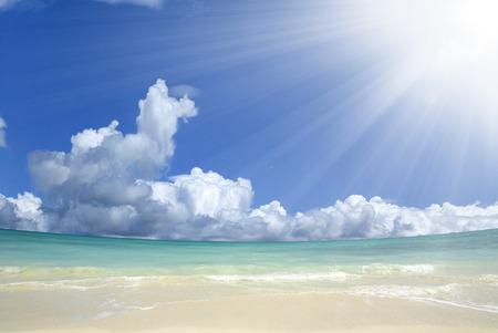 The Sun and the North Shore sea 免版税图像
