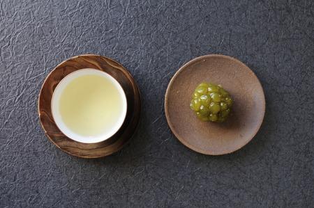 bean family: Birds-eye view of tea and sweets Kanoko