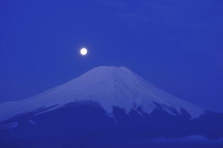 amanecer: Mes y Fuji Foto de archivo