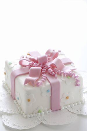ribbon box: Ribbon box cake