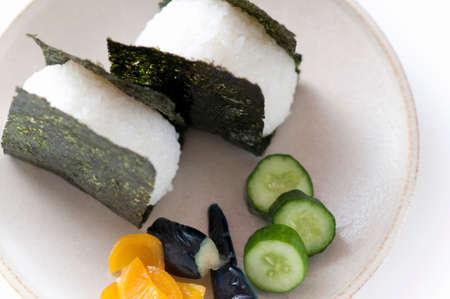 pickles: arroz y encurtidos tostado