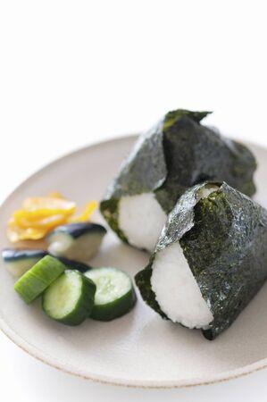 encurtidos: arroz y encurtidos tostado