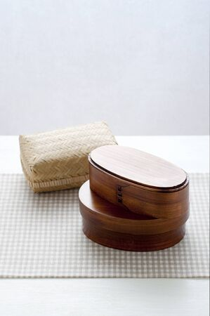 bending: Lunch box of swapper and bending bamboo