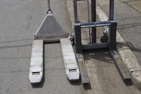 ironworks: Manual lift of ironworks