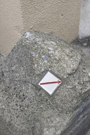 affixed: Border mark affixed to the stone