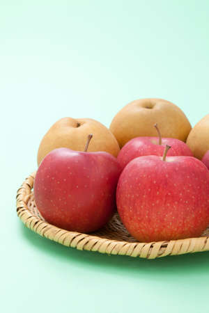 gustatory: Apples and pears