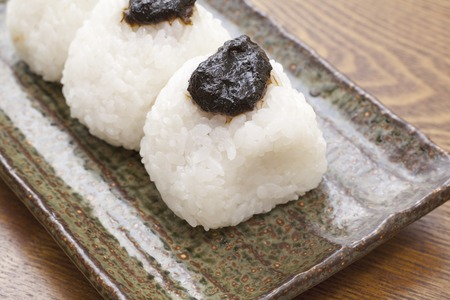 dry provisions: Rice ball of tsukudani of laver