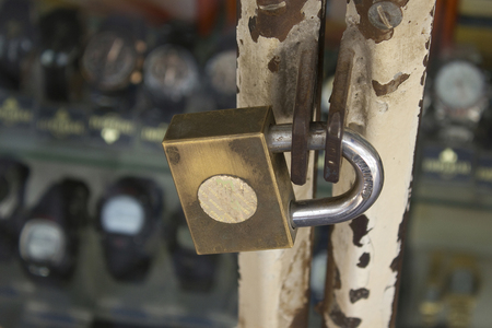 sturdy: Sturdy key to the entrance of the store