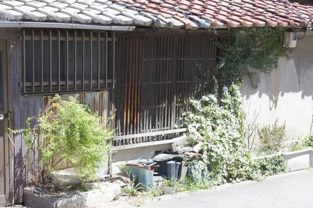 abandoned house: Japanese-style building abandoned house