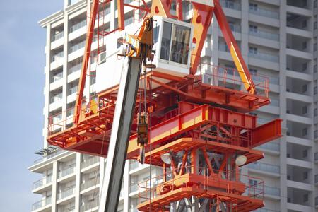 建物の建設工事現場のクレーン 写真素材