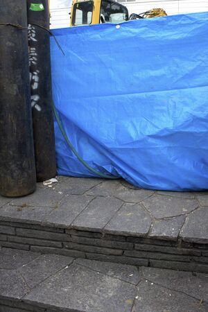 cilindro de gas: Cilindro de gas de la obra de construcción Foto de archivo