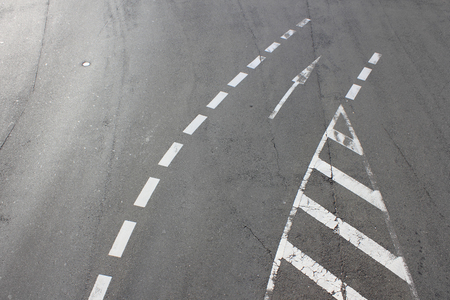 lineas blancas: L�neas blancas en la carretera