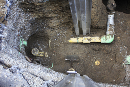 underground: Underground gas pipe construction