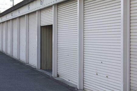 シャッター付き賃貸ガレージ