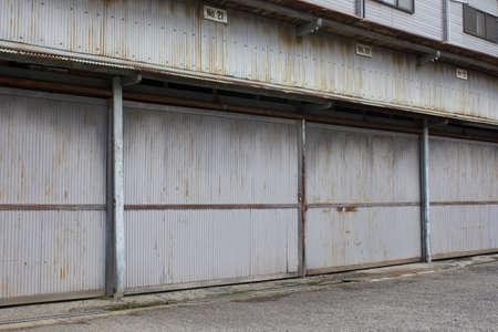 古いレンタル ガレージ