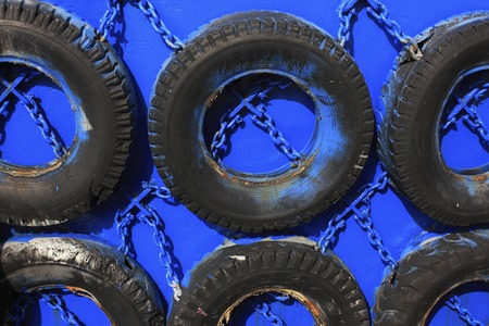 absorption: Shock absorbing tire of ship