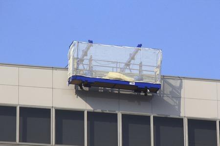 建物の窓清掃ゴンドラ