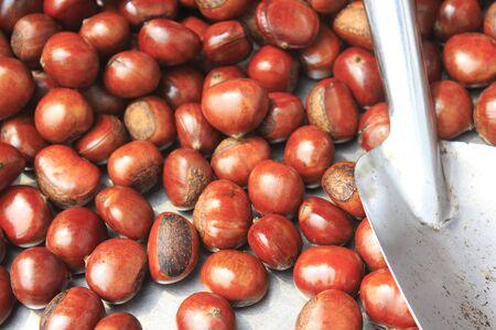 casta�as: Casta�as asadas Foto de archivo