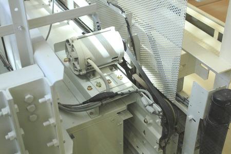 Zie-through lift motor