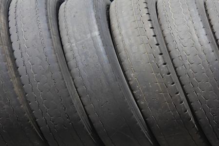 Neumáticos de automóviles usados