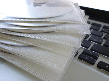 cdrom: Laptop and CD-ROM