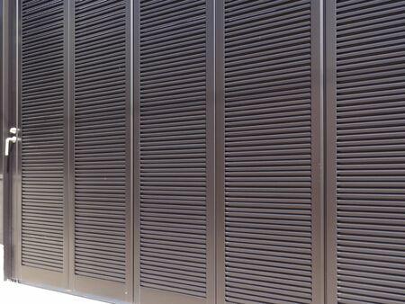 sliding door: Sliding door of garage of aluminum