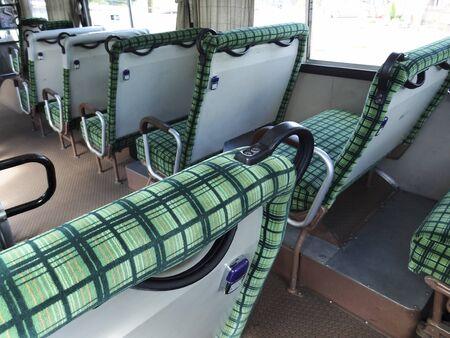 座席バン バス
