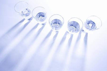 ガラス、水を含んだ 5