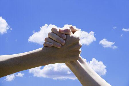 part of me: Dar la mano