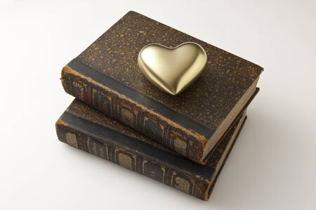 reading materials: This gold Hearts and antique