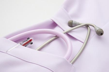 utiles de aseo personal: Uniforme Enfermera y estetoscopio