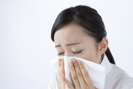 chew: Women who chew nose