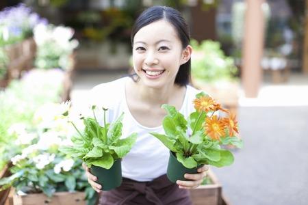 oficinista: Flor femenina empleado de la tienda