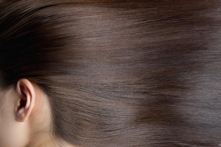 ストレートの髪