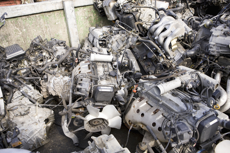 dismantling: Dismantling parts of the automobile