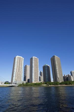 sumida: High-rise apartment of the Sumida River Coast Stock Photo
