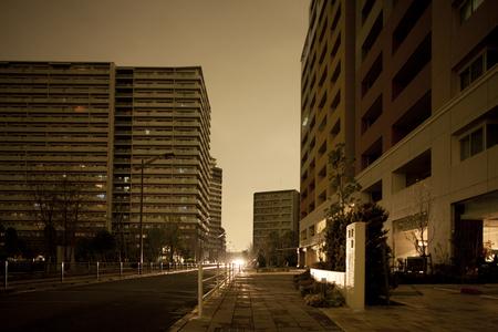 街路灯は停電で消えた