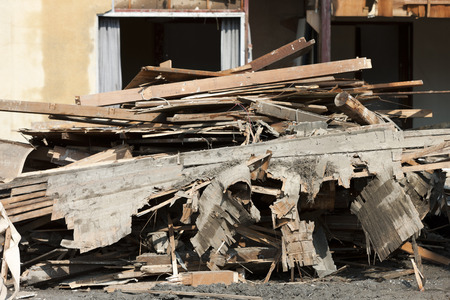 dismantle: Dismantling construction of houses
