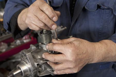 montaje: Trabajos de montaje de autom�viles piezas