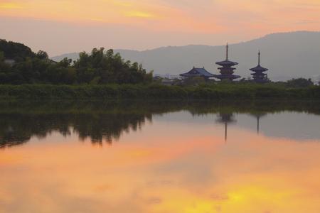 amanecer: El amanecer de Nara, Yakushi-ji