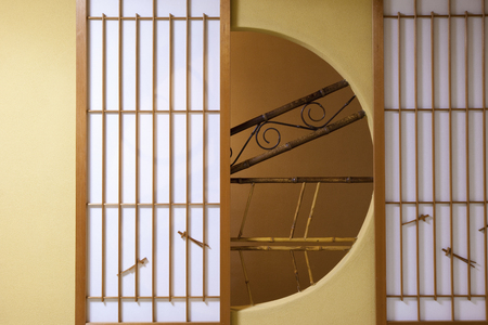 round window: Japanese-style round window