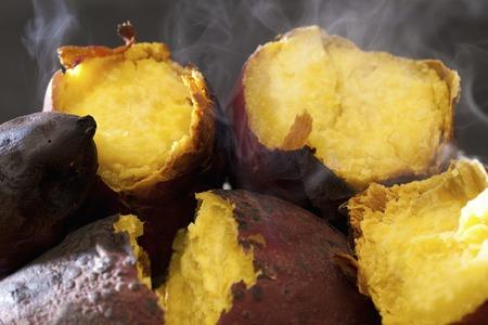 Gebackene Süßkartoffel Standard-Bild - 49755155