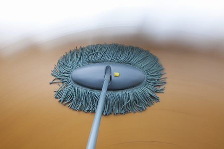 dweilen: Floor reiniging MOP panning Stockfoto
