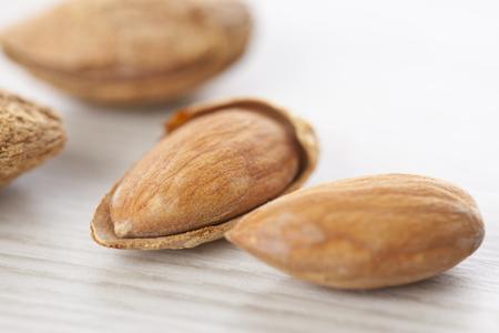 shelled: Shelled almonds